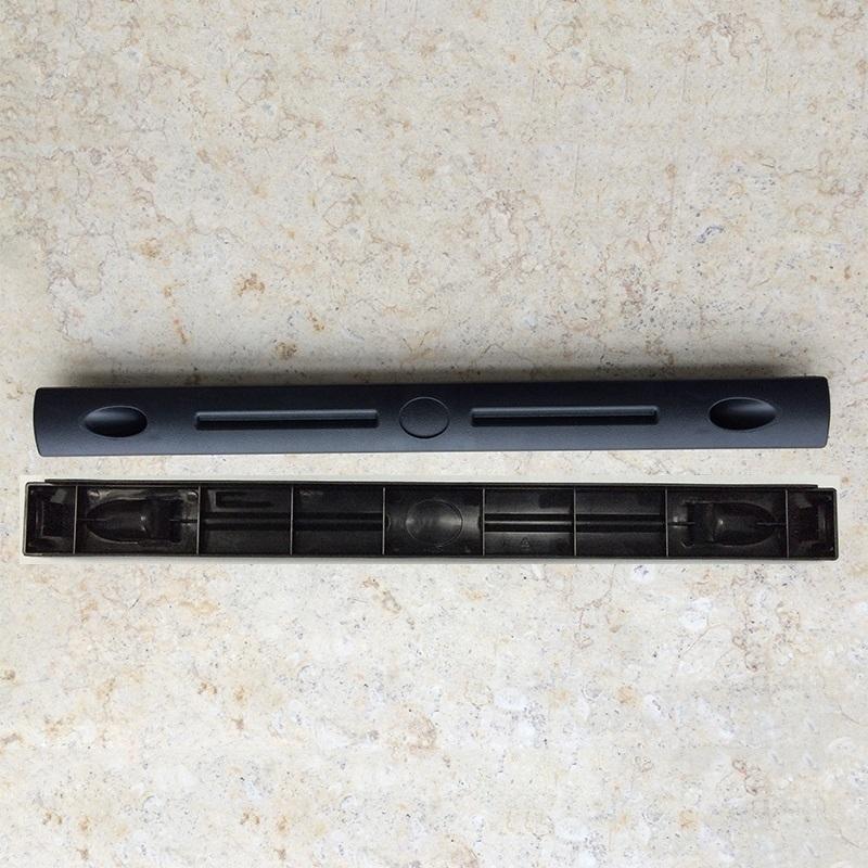 Thanh che cáp ngang (blank panel) cho tủ rack 19 inches (nhựa)